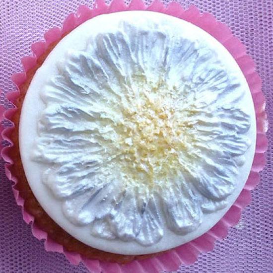 Karen Davies Daisy/Gerbera Cupcake Mould